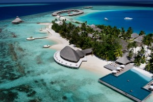 greats-resorts-awesome-maldives-resort-glass-floor-maldives-resort-gold-coast-maldives-resort-guide-maldives-resort-gili-lankanfushi-maldives-resort-gold-coast-reviews-maldives-resort-glass-floo